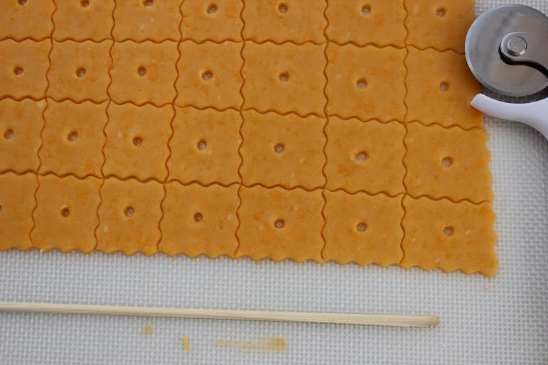 Homemade Cheez-Its Recipe... Definitely would be tweaking this recipes a bit but still would like to try it! :)