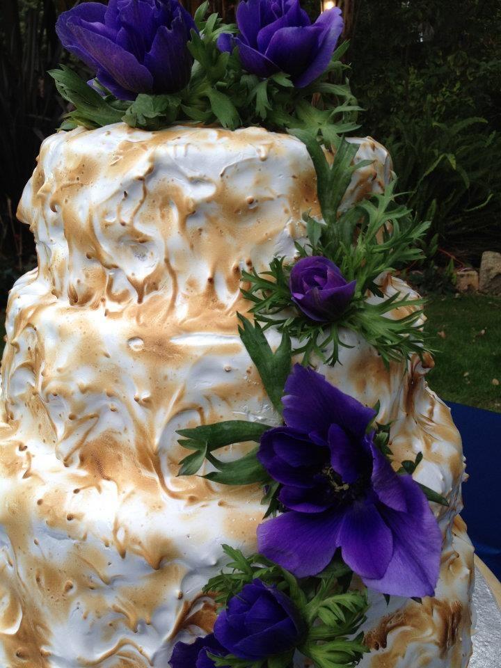 Marshmallow meringue wedding cake by Cake Imagination. Facebook: Cake Imagination - Amy Masini