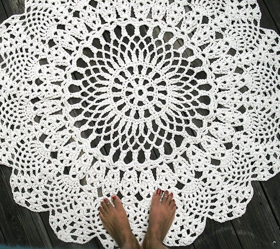 Custom made cotton crochet rug in large 42 circle pineapple lacy custom made cotton crochet rug in large 42 circle pineapple lacy pattern bankloansurffo Image collections