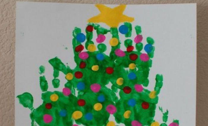 Leuk: kersthandjes en -voetjes knutselen