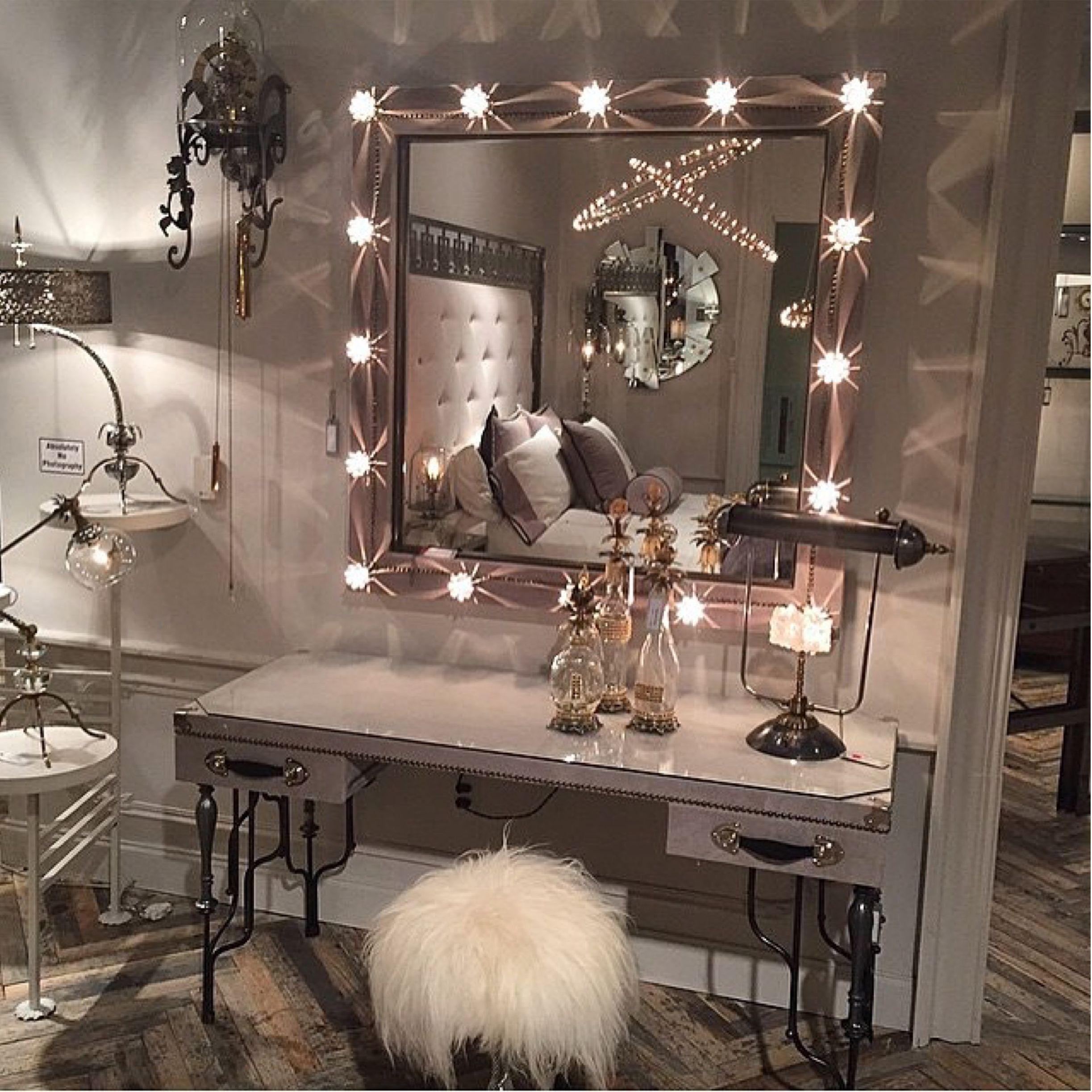 Schone Vanity Makeup Table Ideen Fur Inspiration Futuriandesign Beautifu Beautifu Fur Fu In 2020 Schminktisch Stilvolles Schlafzimmer Schlafzimmer Spiegel