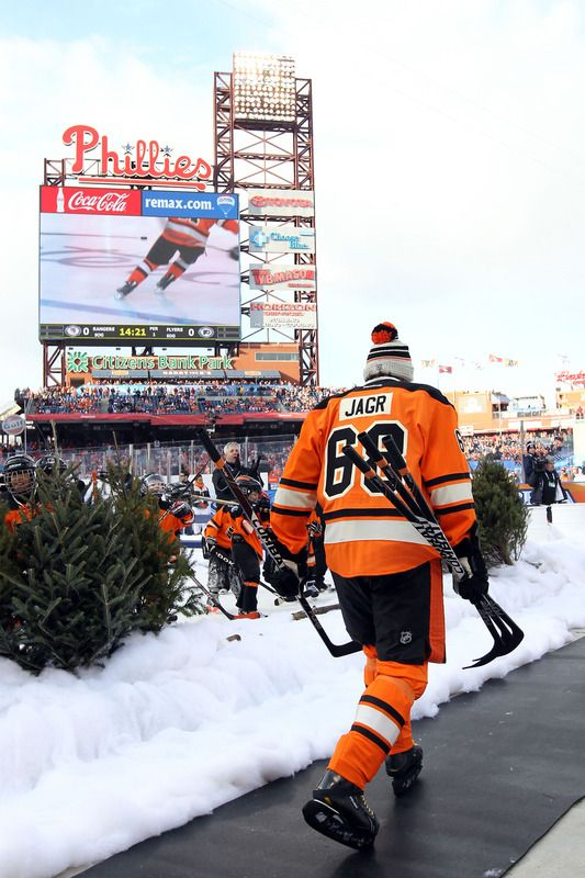 61be690f2 Jaromir Jagr  68 at the Winter Classic 2012
