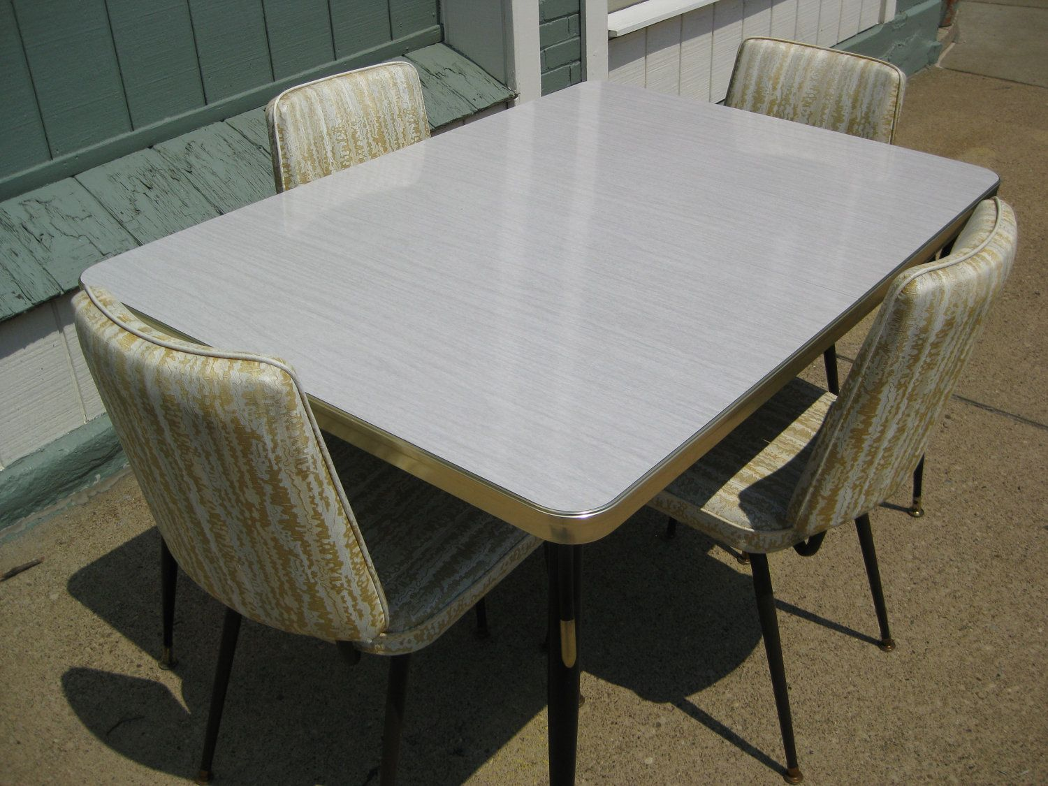 vintage metal kitchen tables and chairs | vintage 1950s formica