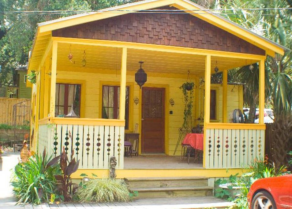 Bungalow in Folly Beach! Get 25 credit with Airbnb if