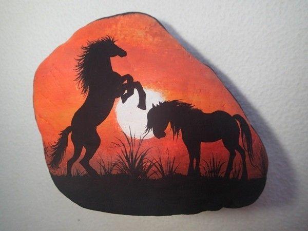 Projekt diy Steine bemalen tiere pferd #bemaltekieselsteine