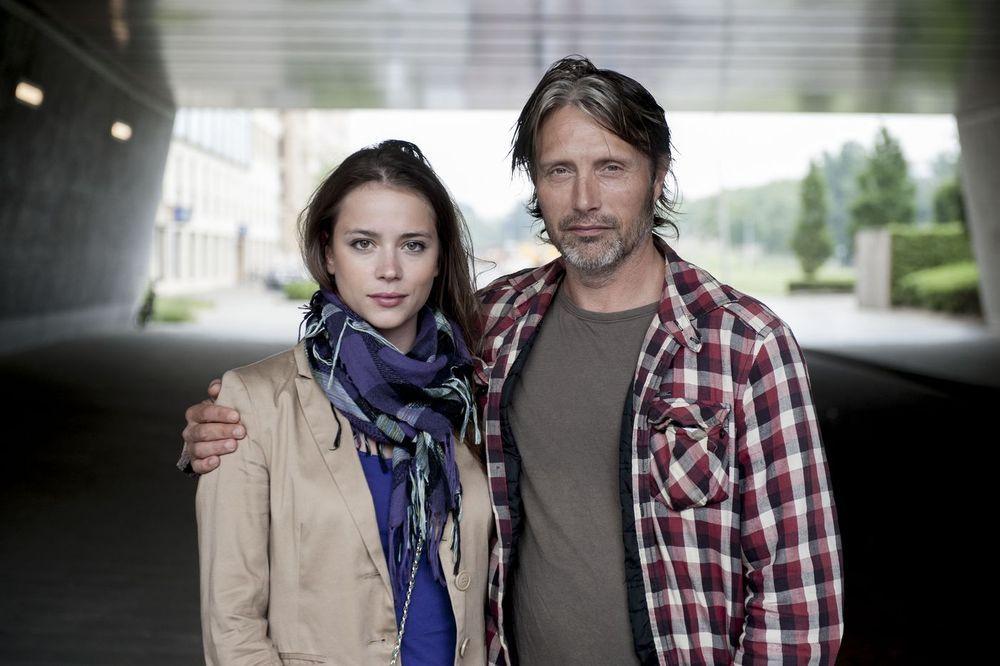 Novi filmski par: Gabriela Marcinkova, slovačka glumica u usponu, i Mads Mikkelsen.