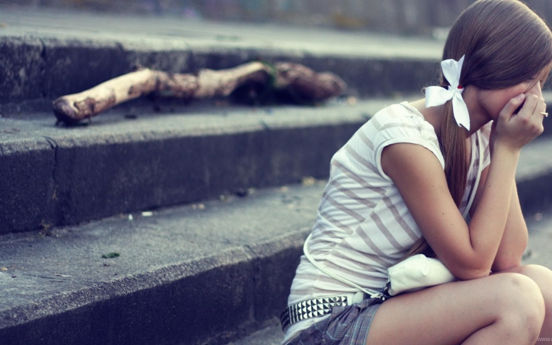 Sad images alone girl wallpapers pictures  Android