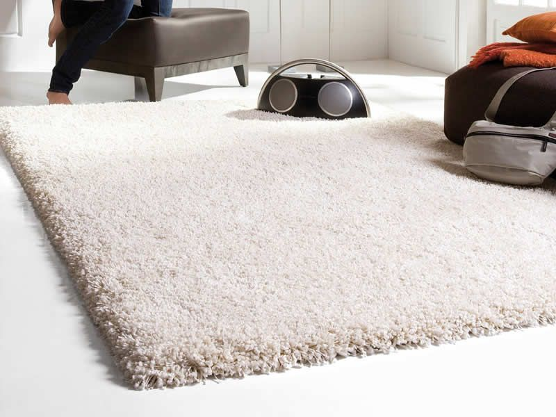 Get A Stunning Look In Your Bedroom With Shaggy Rugs Anlamli Net In 2020 White Fluffy Rug White Rug Rugs