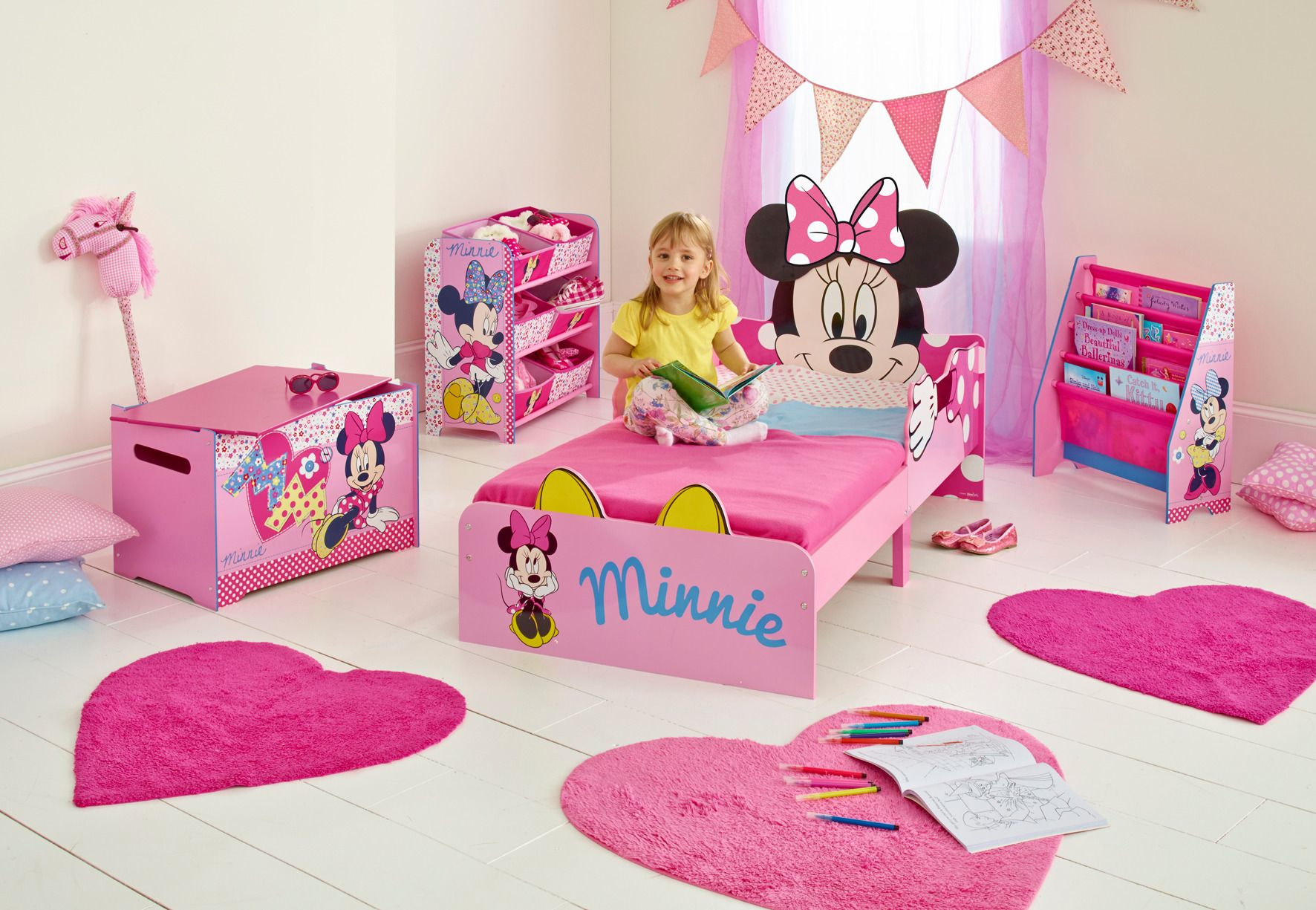 Dormitorio infantil minnie mouse disney ideal para toda - Camas infantiles disney ...