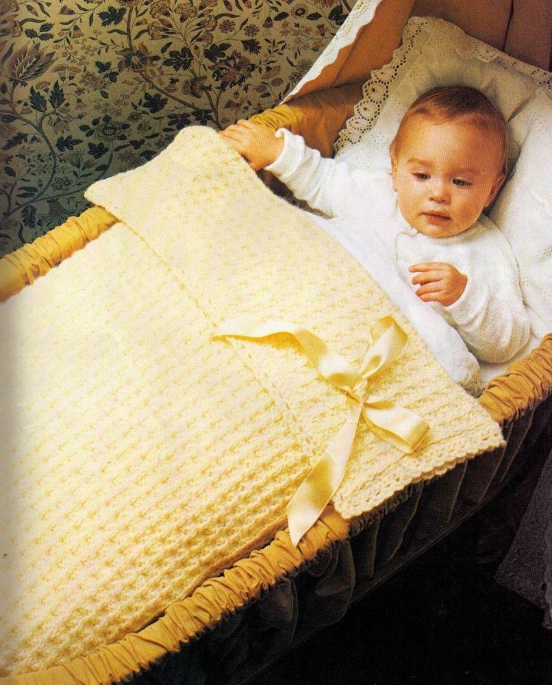 VINTAGE BABYS WAFFLE COT PRAM BLANKET RUG- 54 CMS SQUARE- 8PLY KNITTING PATTE...