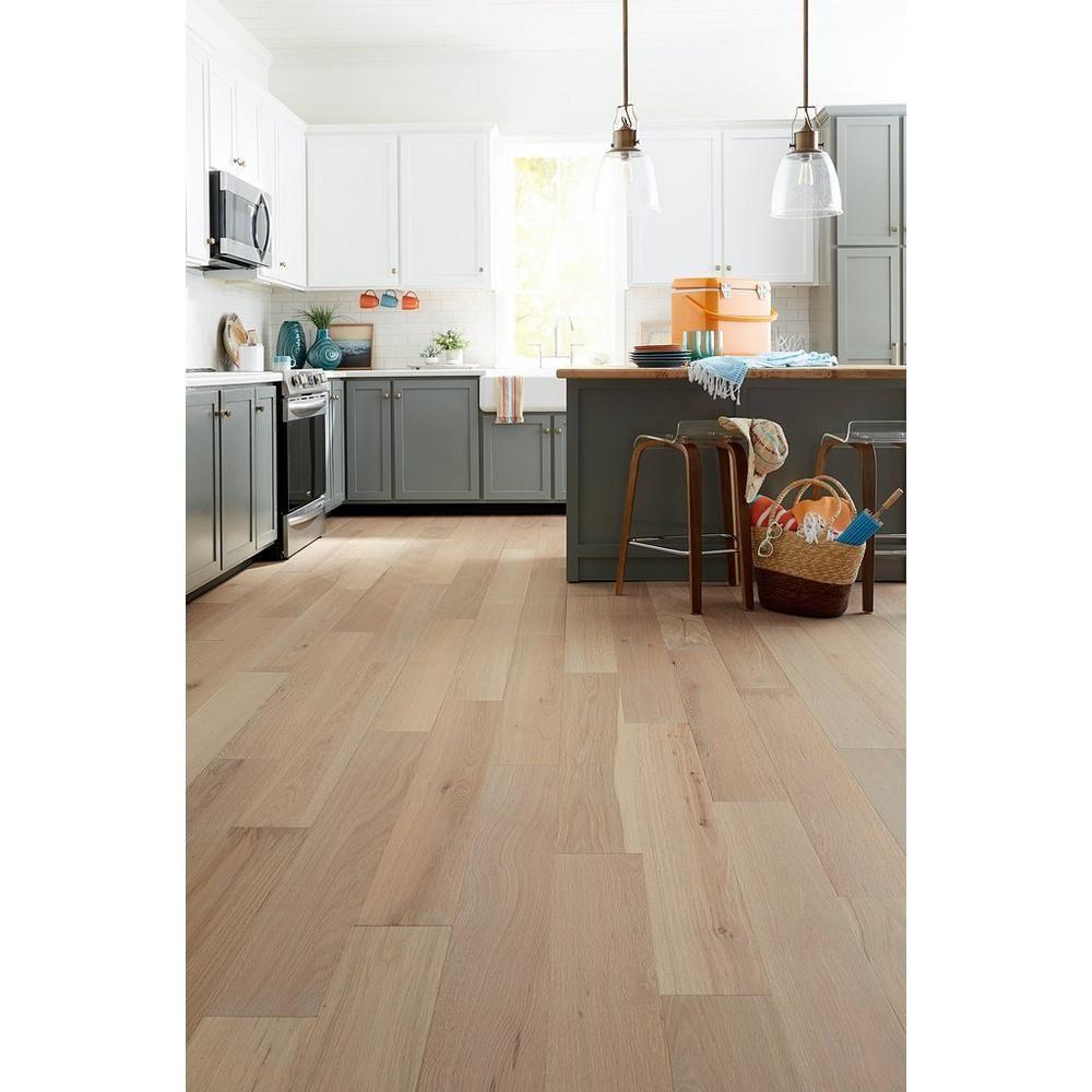 Ceruse Blonde Oak Wire Brushed Water Resistant Engineered Hardwood In 2020 Natural Oak Flooring Oak Engineered Hardwood Engineered Hardwood