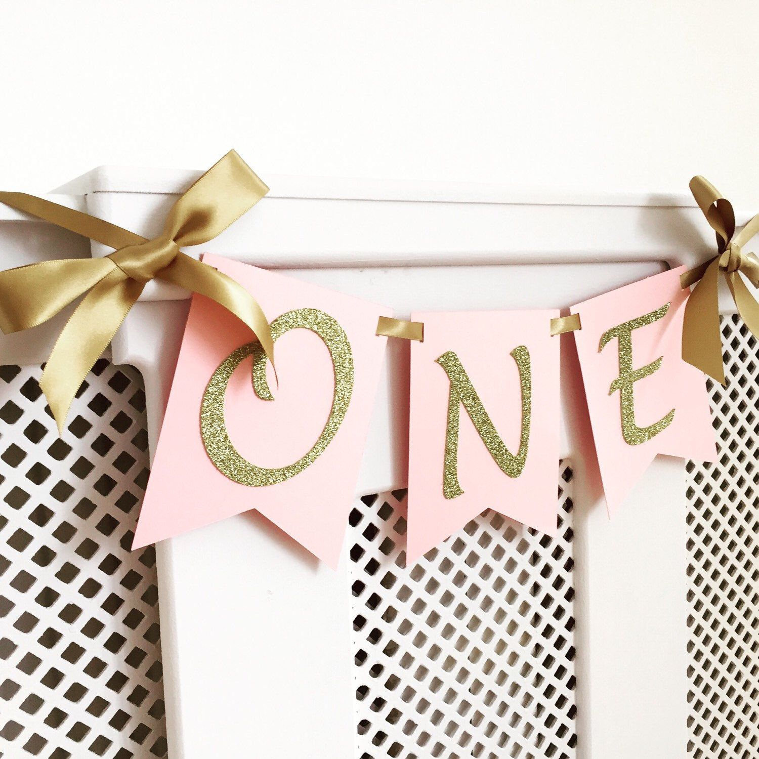 High chair banner. One Highchair banner. Pink and gold. Smash cake. First birthday banner. Girl. by InspiredbyAlma on Etsy https://www.etsy.com/listing/274191020/high-chair-banner-one-highchair-banner