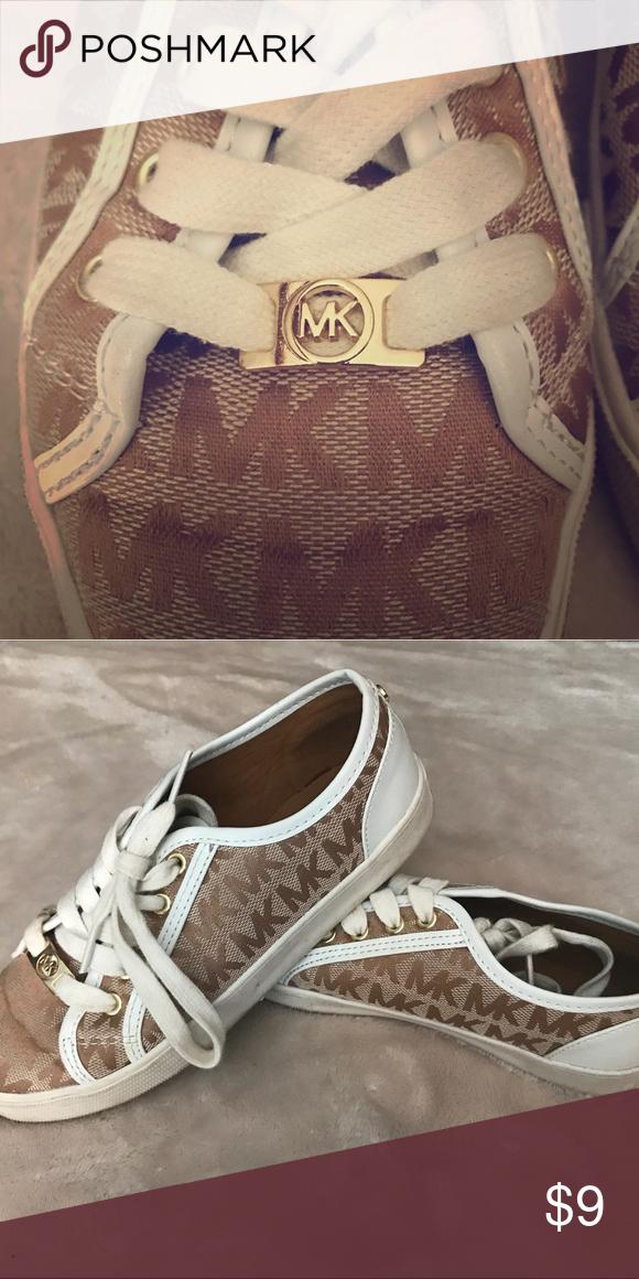 Michael Kors Girls Shoes MK size 2 tan