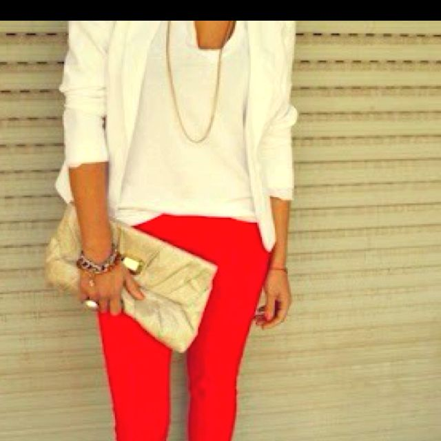 Red jeans, cream top, gold jewelry loveee