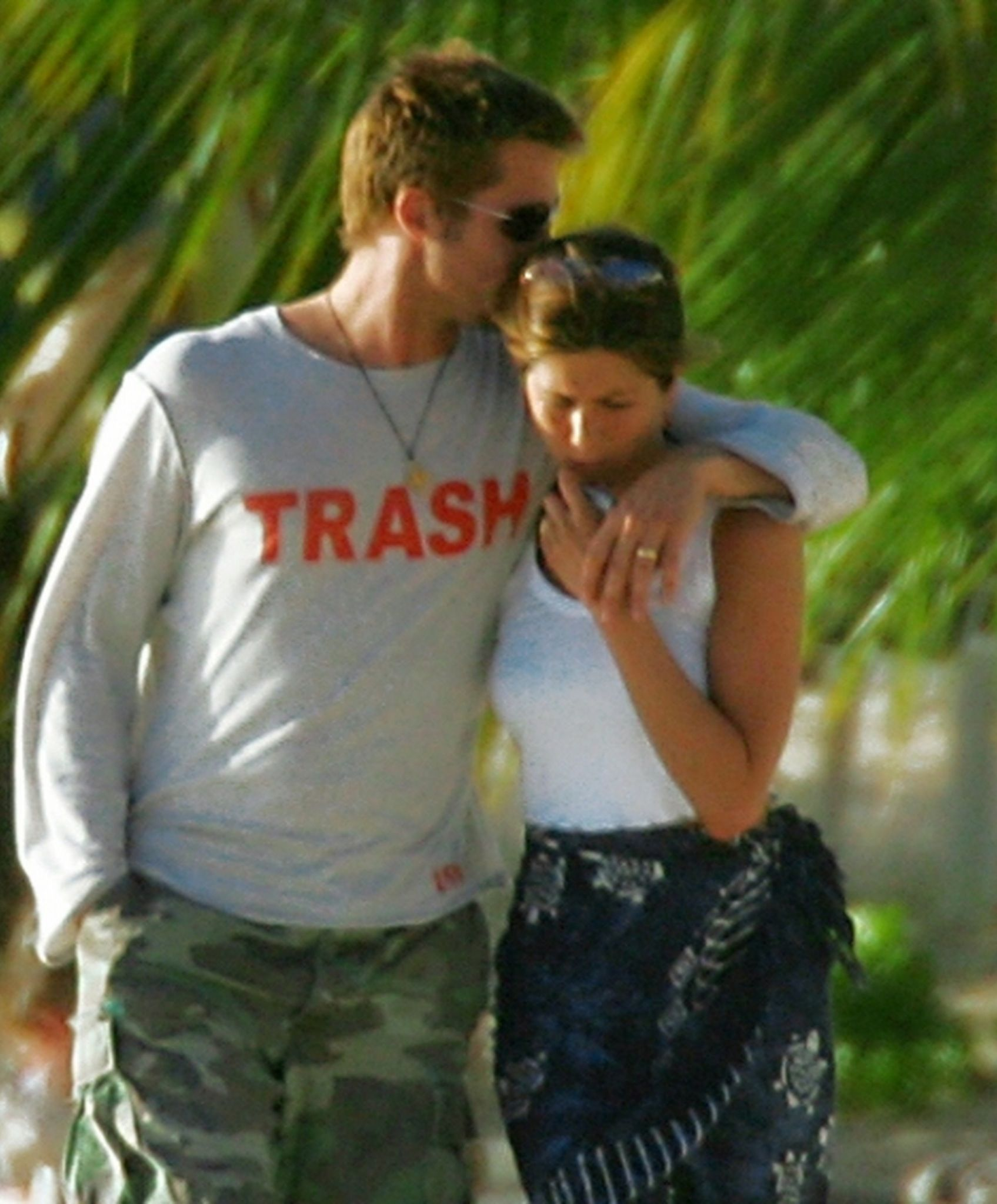 Jennifer Aniston & Brad Pitt - January 2005 vacation in ...