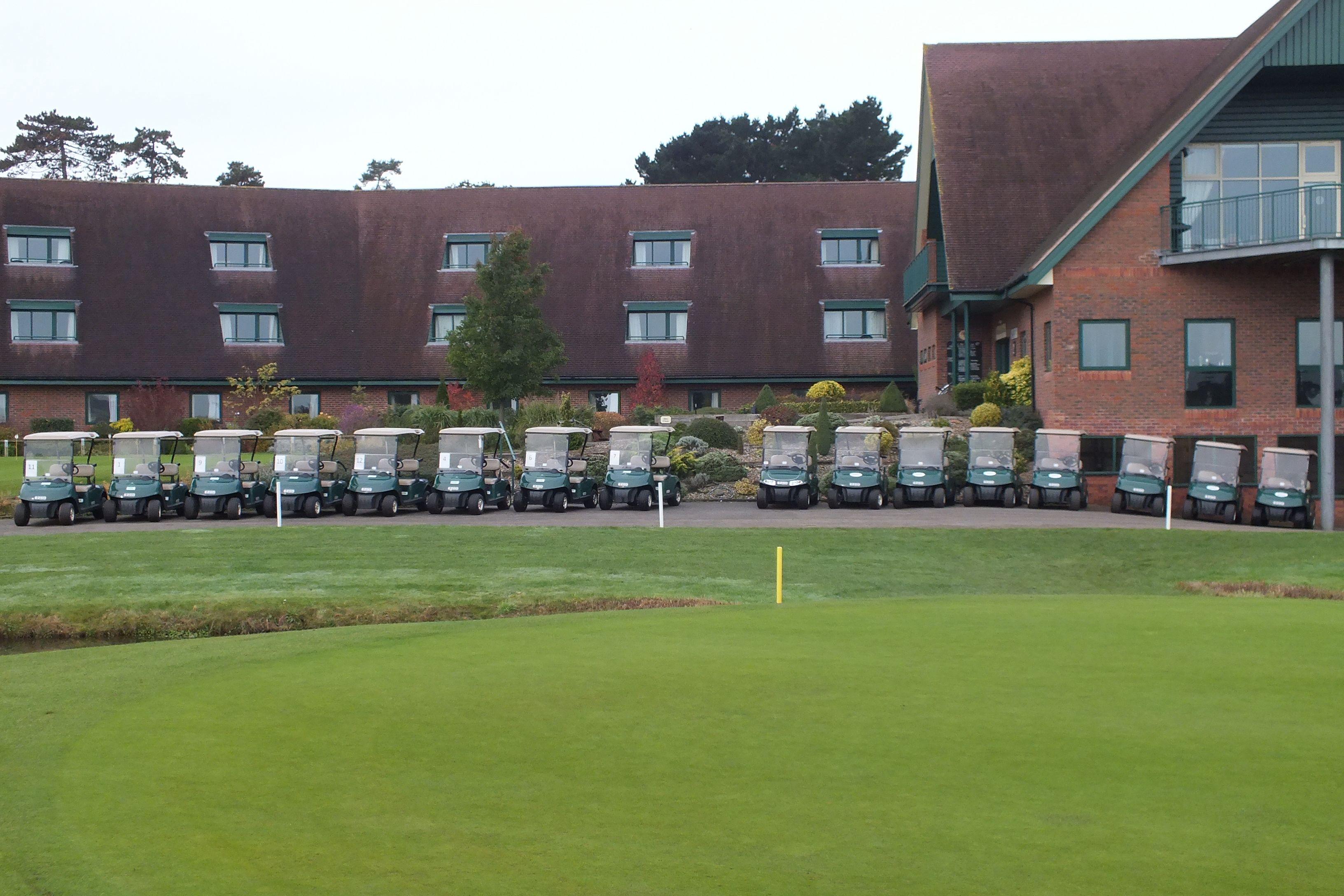 Espiche golf clubhouse decor