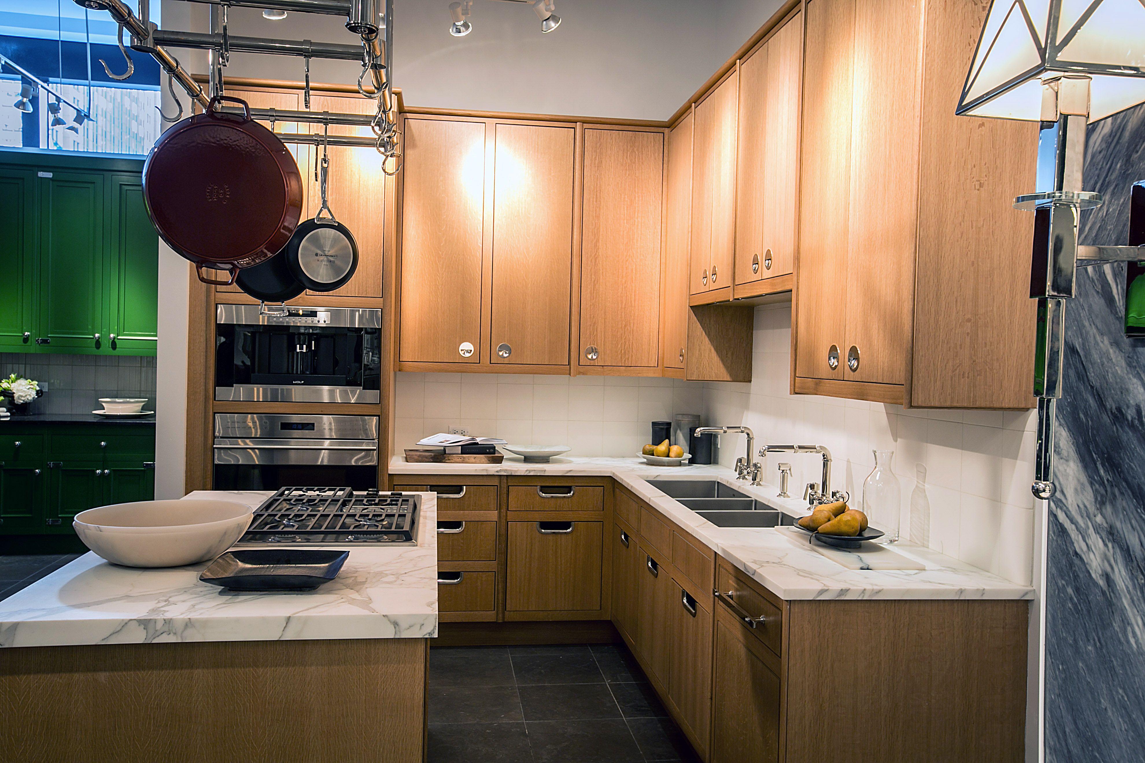 Waterworks Kitchen In Chicago Showroom Classic Kitchen Cabinets Cabinetry Design Classic Kitchens
