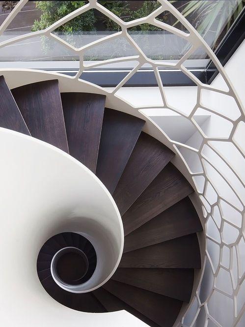 Escada e guarda-corpo em caracol Designer: Design Cell