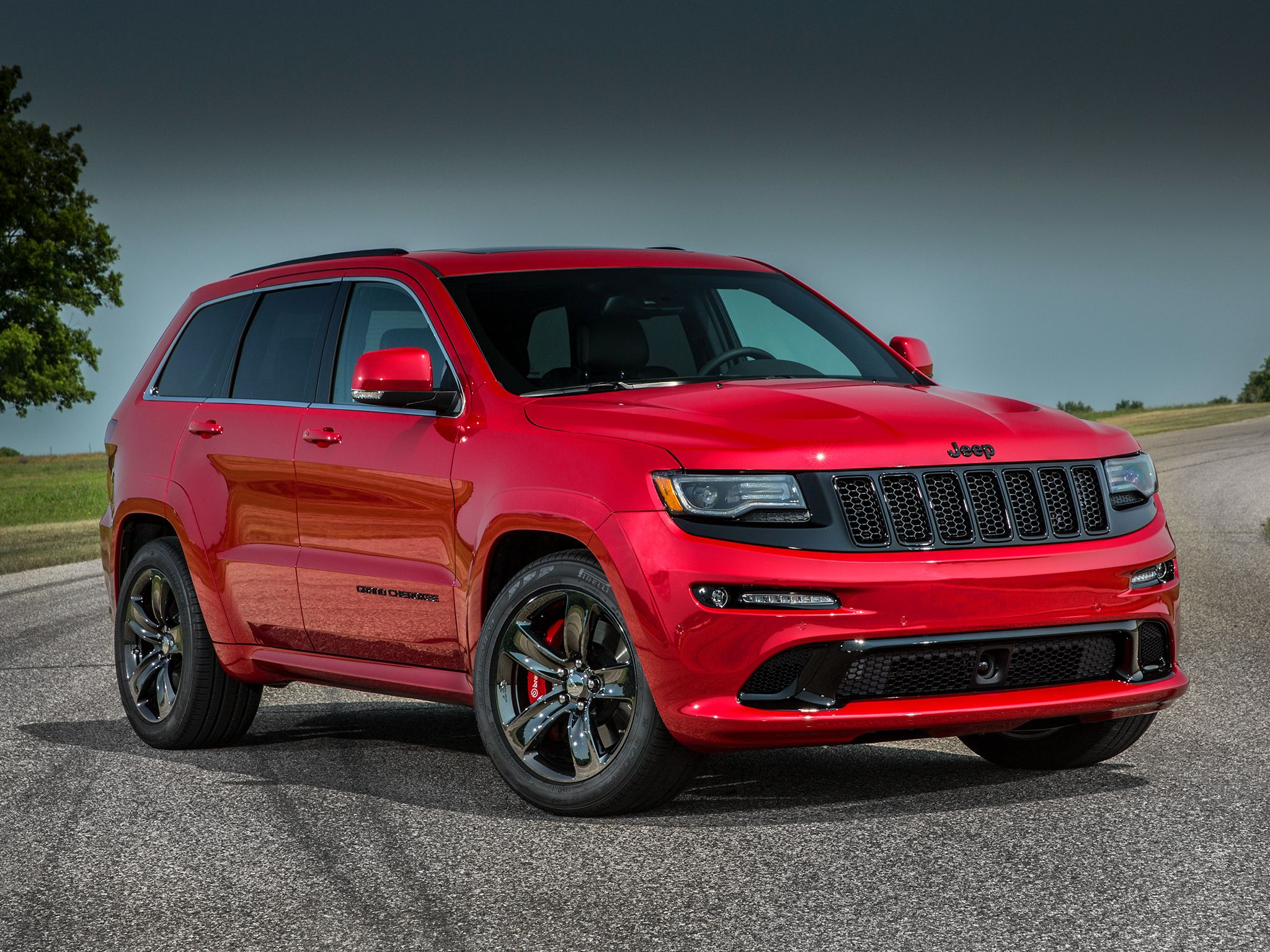 2015 Jeep Grand Cherokee Srt Gets More Power New Appearance Package Jeep Grand Cherokee Srt Jeep Grand Cherokee Jeep Grand