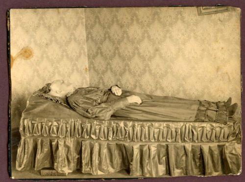 Antique-Cabinet-Photo-Post-Mortem-