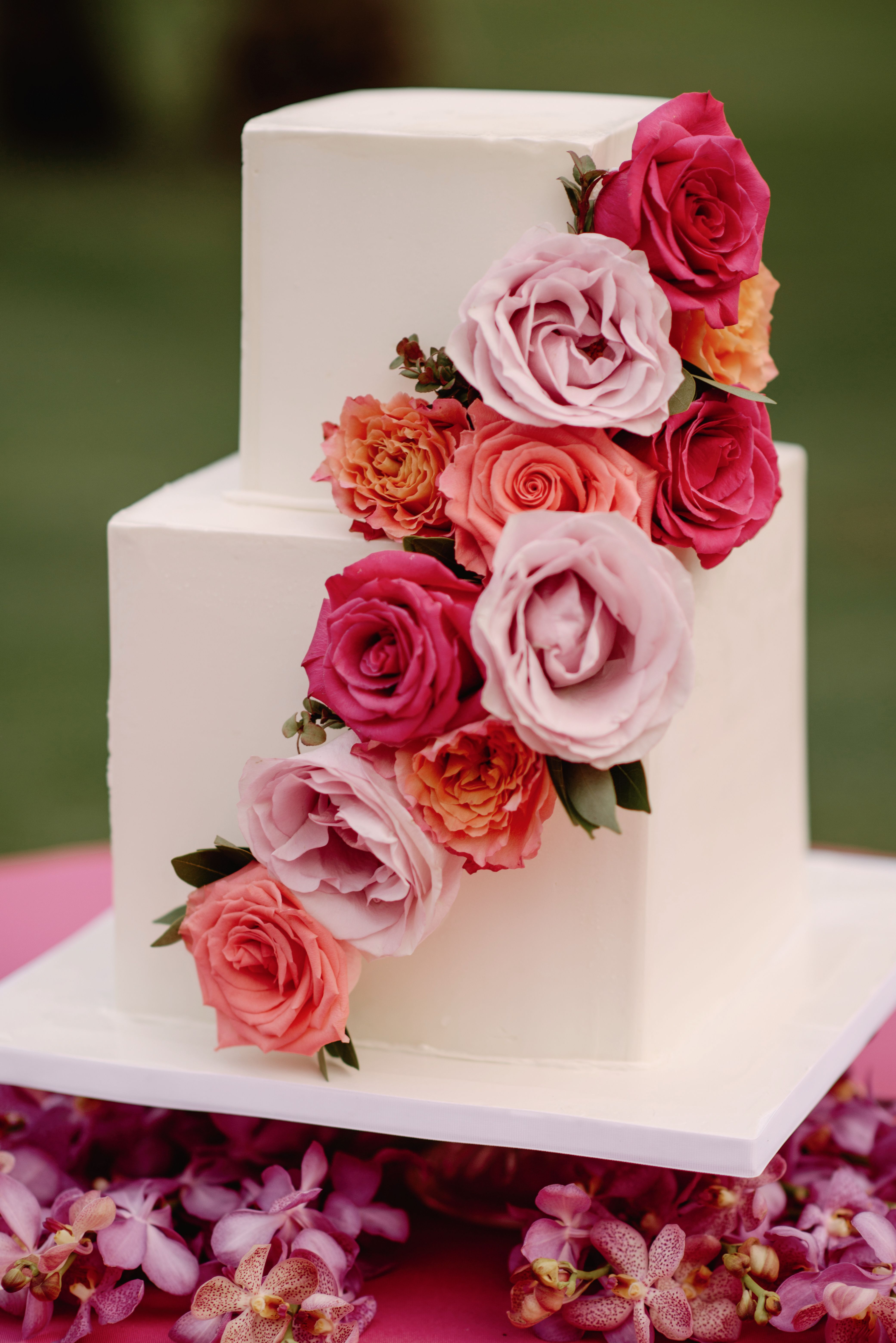 Square Wedding Cake with Vibrant Tropical Roses [Coordinated by ...