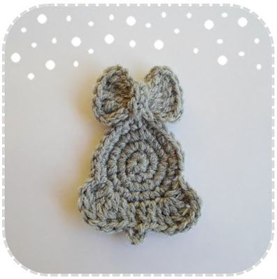 A crochet addict who wants to yarnify the world!