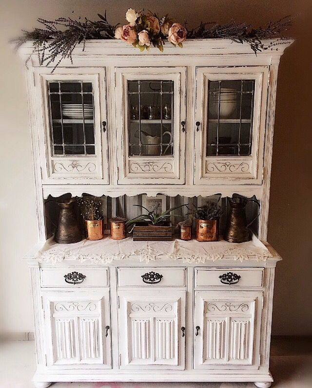BEAUTIFUL White Vintage Rustic Ethan Allen Hutch Dining Room
