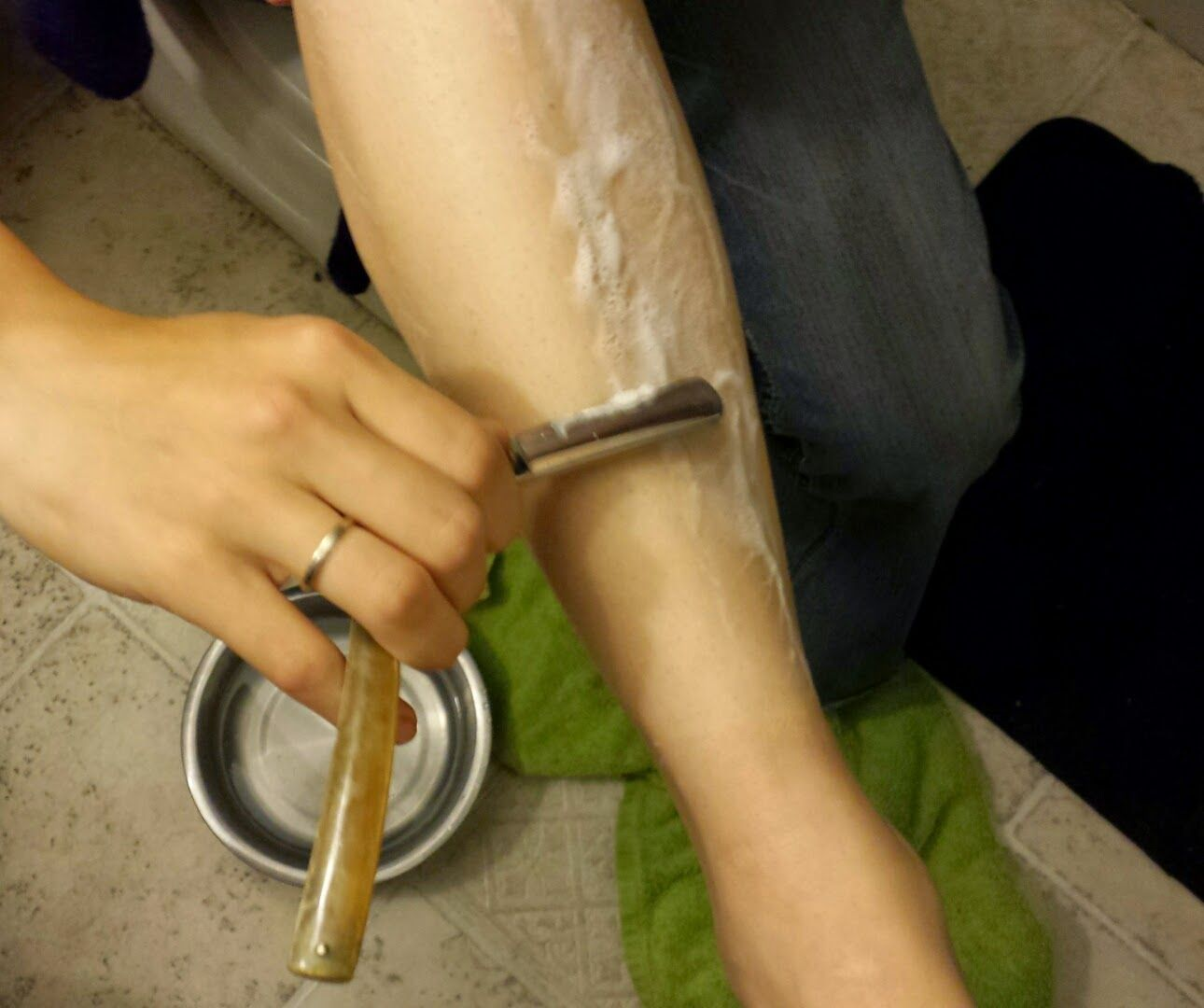 Shaving your legs with a straight razor diy beauty pinterest shaving your legs with a straight razor baditri Image collections