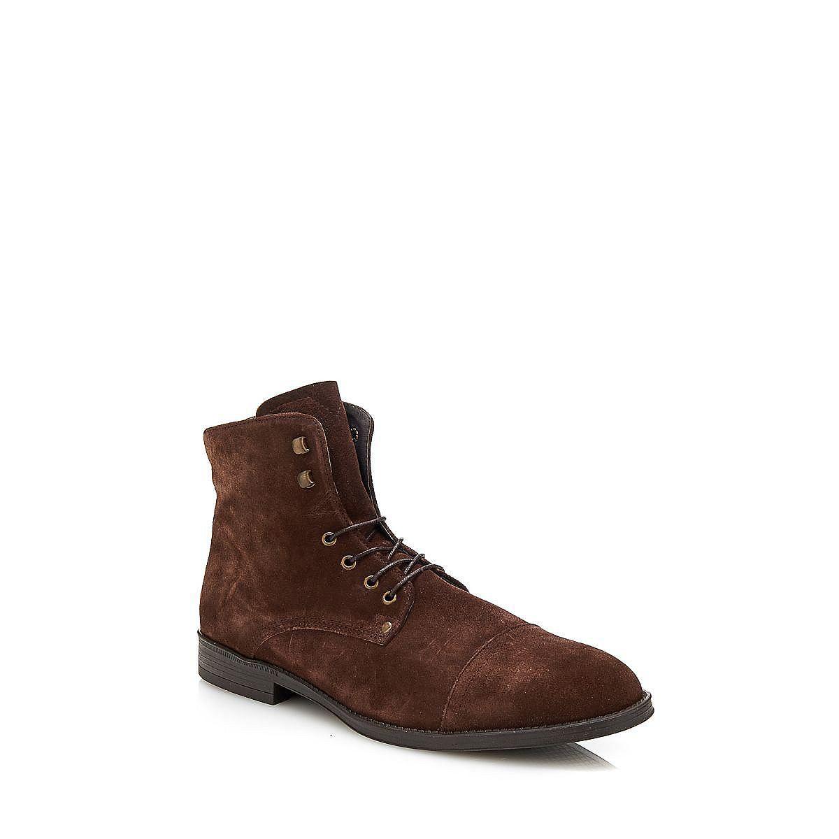 Stiefel Casual Leather Suede    Er ist gefüttert: Der Bootie ist die beste Wahl für einen modernen Look. Der Schuh aus Veloursleder hat eine Gummisohle, die für regnerisches Wetter perfekt ist.    Decksohle aus Leder, Innenmaterial aus Leder und Textil.  Gummisohle.  100% Echtes Leder....