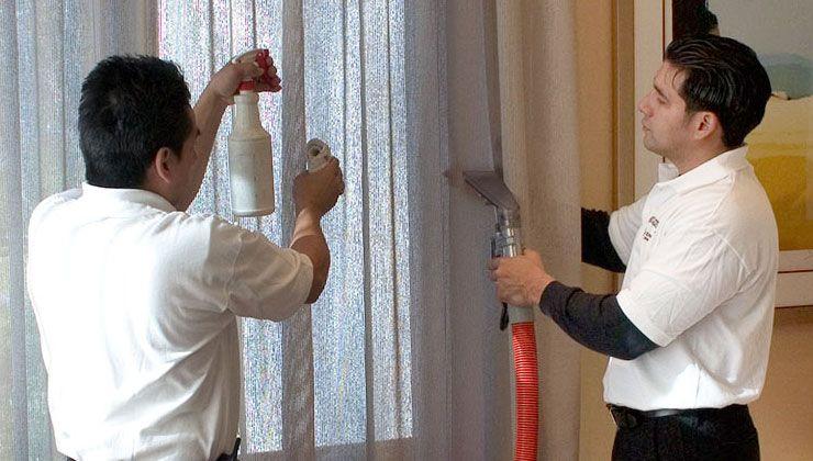 شركة تنظيف ستائر بالمدينة المنورة للتنظيف والتعقيم للستائر والمفروشات بشكل عام باستخدام ماكينات البخار Cleaning Upholstery Rug Cleaning Services Rug Cleaner