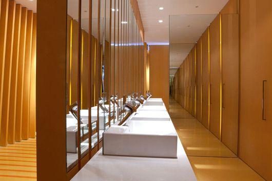 Public toilets interior design by maria beatriz blanco for Modern washroom designs
