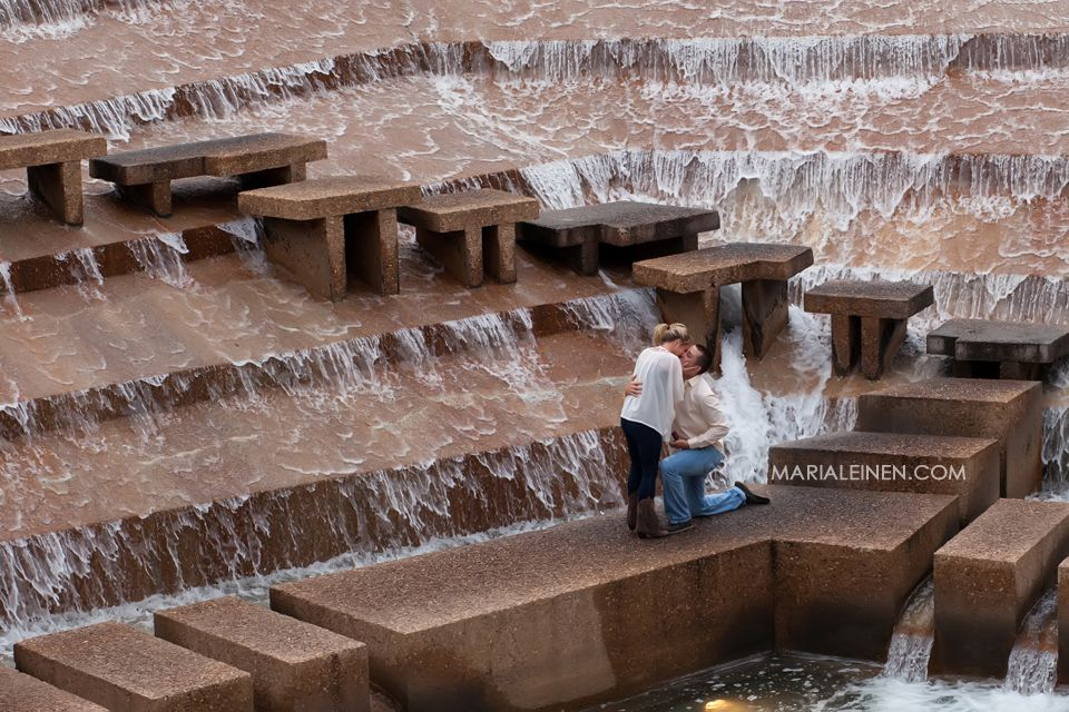 engagement photos at fort worth water gardens Wedding