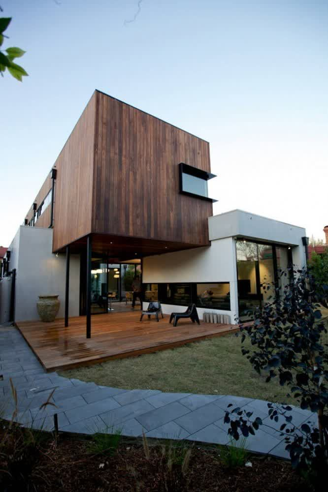 Courtyard Modern Bungalow In Victoria What A House
