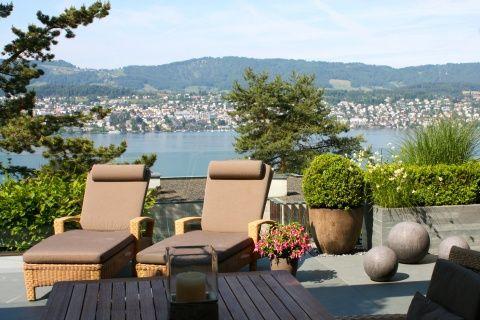Terrasse mit Seeblick #living #garden #gardendesign #garten - gartenarchitektur