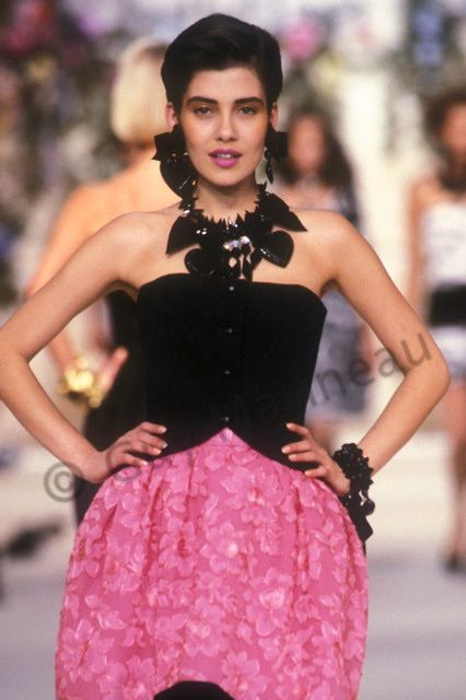 Épinglé par Sultana Jogee sur Fashion | Pinterest ...