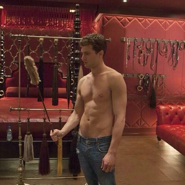 Jamie Dornan Fifty Shades Of Grey Movie Bts Red Room Cinquenta