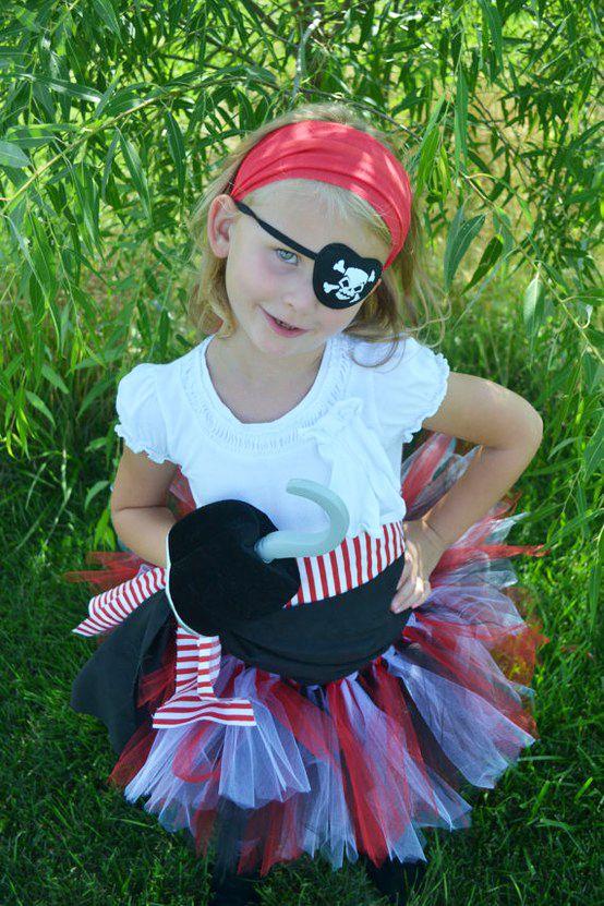 eaebb64b2 Una fiesta pirata para niñas   Party   Trajes de piratas, Fiesta de ...