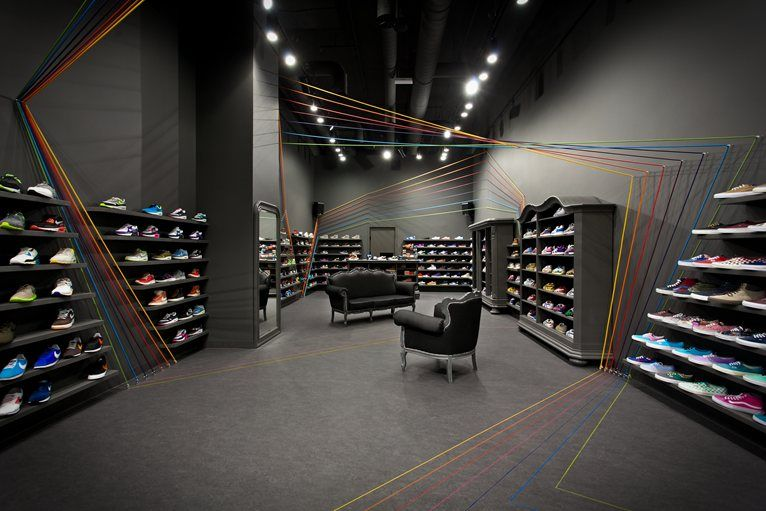Run Colors Sneaker Shop   Picture Gallery