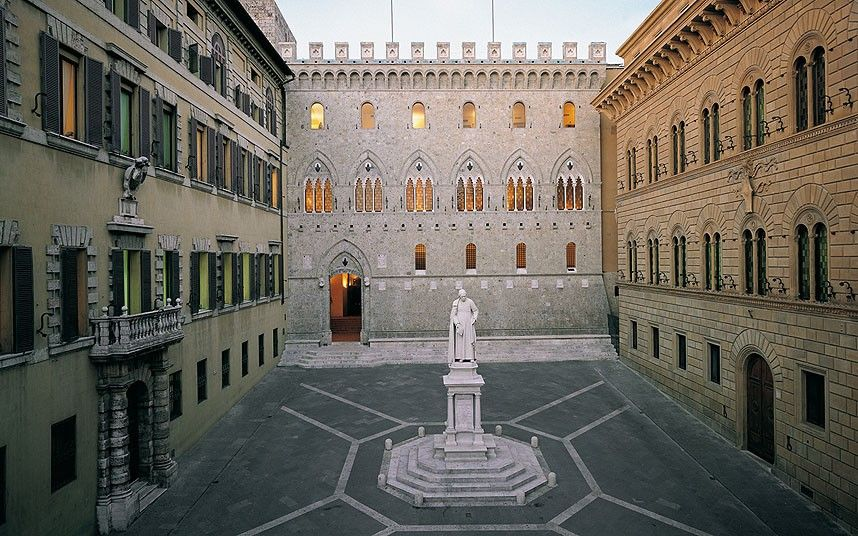 World S Oldest Banks In Pictures Siena Italy Italy Siena