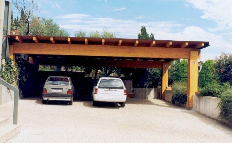 Tettoia 3 posti auto in legno lamellare . Misura 10 x 6 m