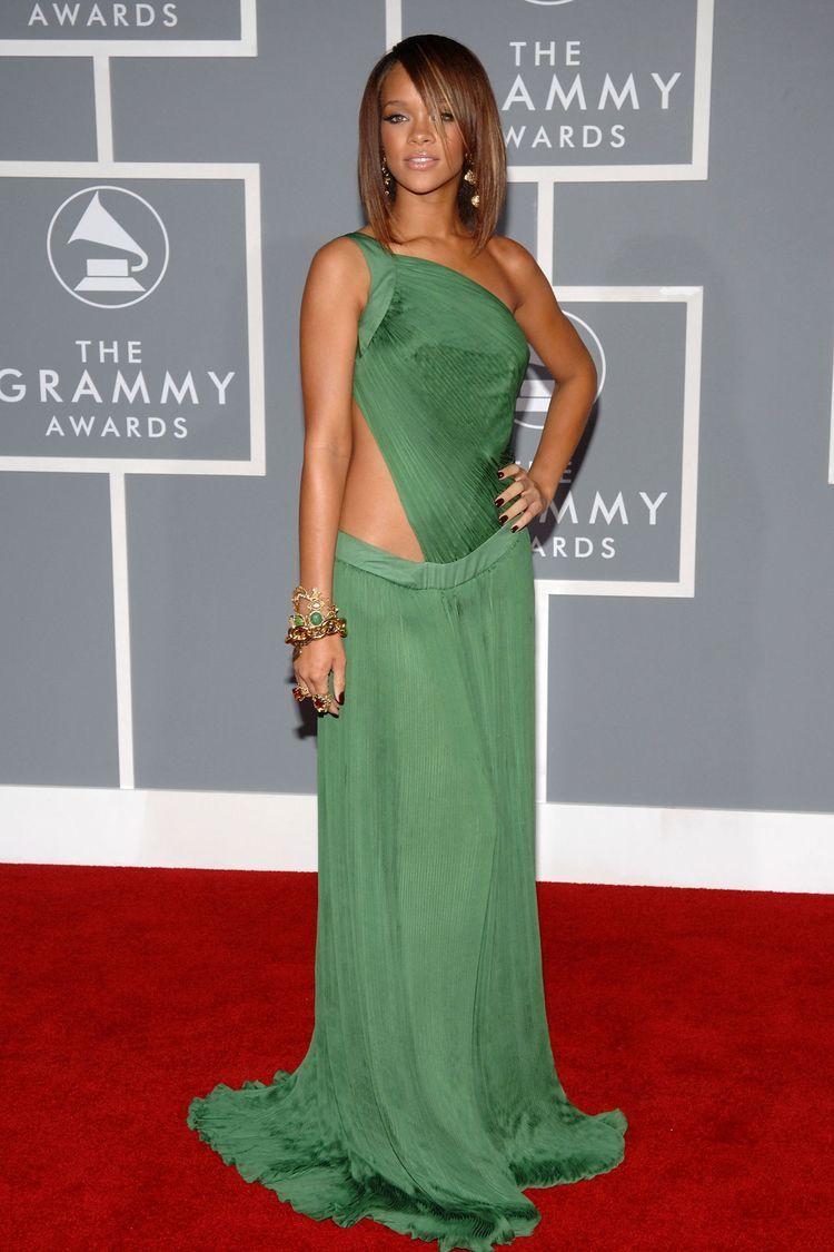 Rihanna Rihanna Dress Rihanna Style Rihanna Outfits [ 1125 x 750 Pixel ]