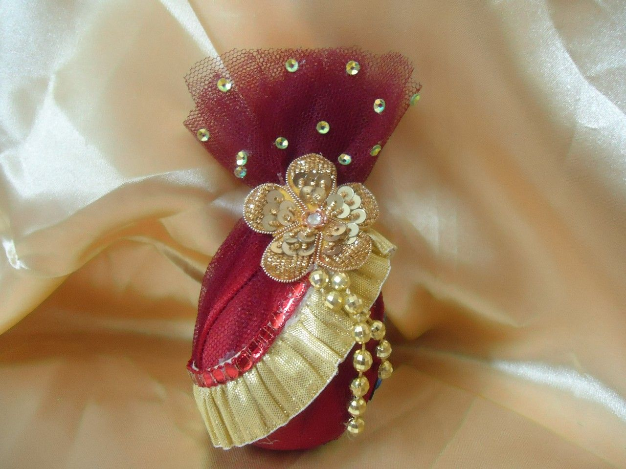 Can you guess that its a coconut inside that packing wedding we dealing with engagement ring platter trousseau wedding packing cosmetic packing corporate packing in delhi ncr and india level junglespirit Image collections