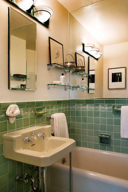 une salle de bain des ann es 30 heureusement bien conserv e sobri t et bon go t en ont. Black Bedroom Furniture Sets. Home Design Ideas