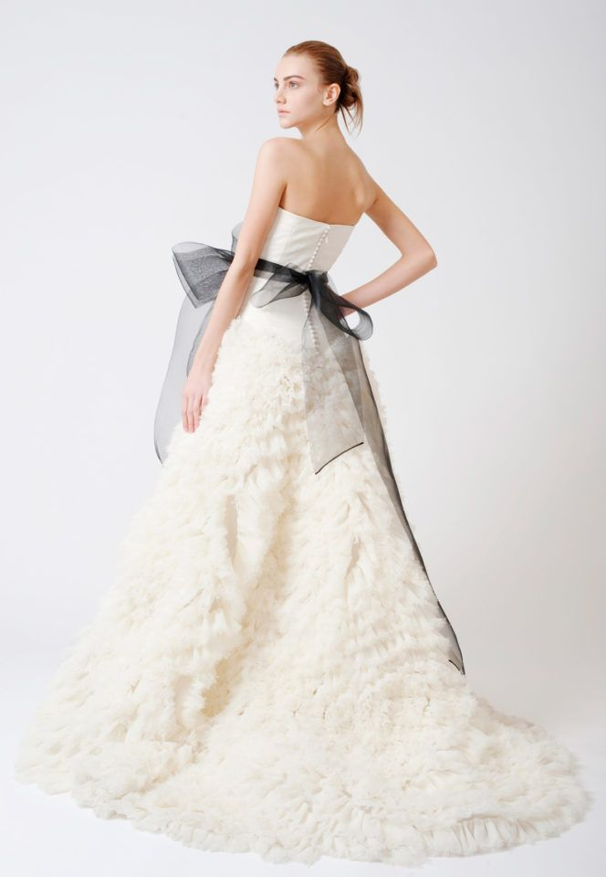 Browse iconic Vera Wang wedding dresses and schedule an appointment ...