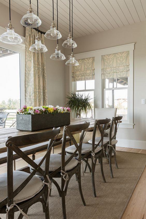 Dining Room Interior in Sherwin Williams Agreeable Gray | House ...