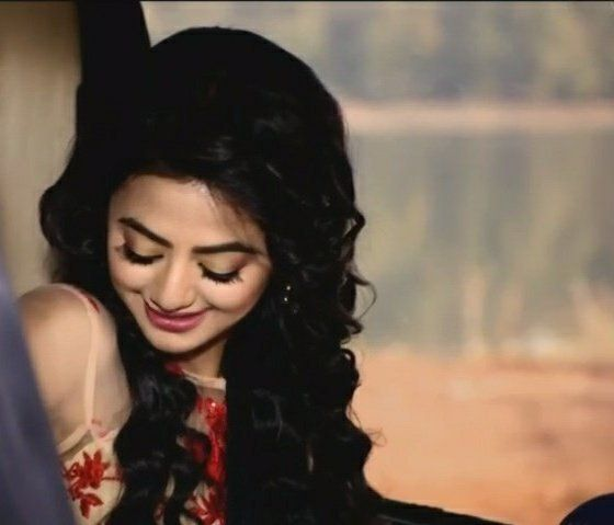 Pin By Sandy On Helly Shah Indian Photoshoot Helly Shah Hira Mani