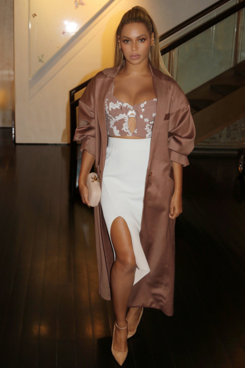 6acd30884c2e9 Beyonce Syle  Classy and Stylish in 64 Outfits - Highpe