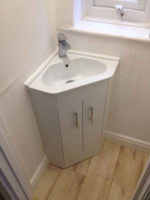 Corner Basic 45cm X 45cm With Bathroom Installation In Leeds Downstairs Toilet Small Bathroom Small Downstairs Toilet