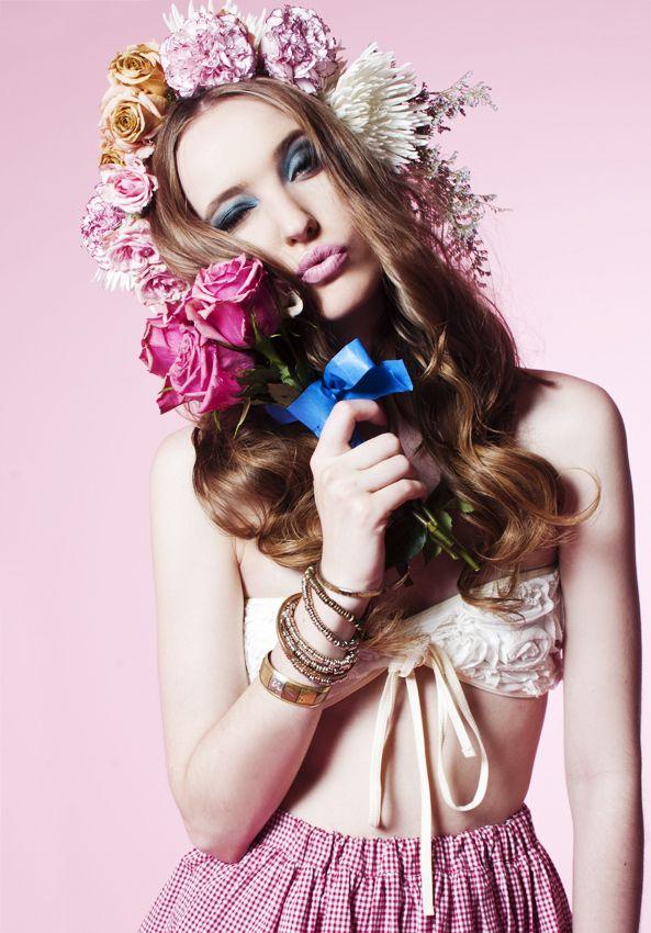 I really like the flower arrangement in the hair!