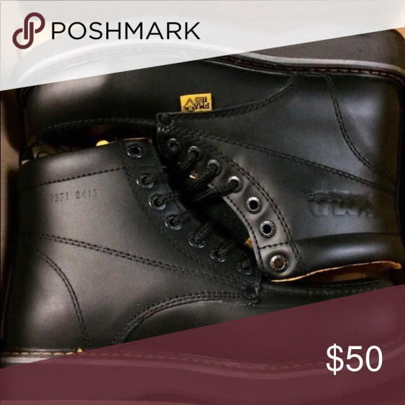 black hammer shoes price